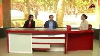 Namaz qıldığını iddia edən ekstrasenslə ilahiyyatçı Elşad Miri...