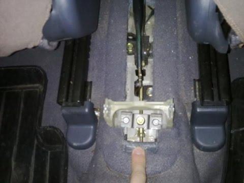 Как подтянуть ручник Hyundai Accent Быстро Своими руками!