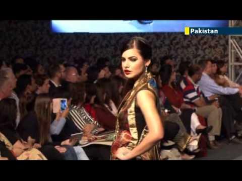 Pakistan Catwalk Glamour: beautiful models showcase alternative Pakistan beyond Islamic extremism