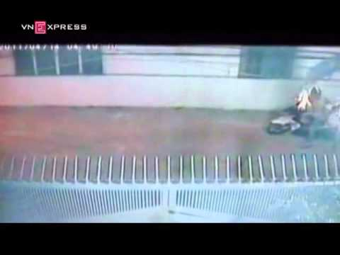 Ném bom xăng vào nhà giám đốc   VnExpress