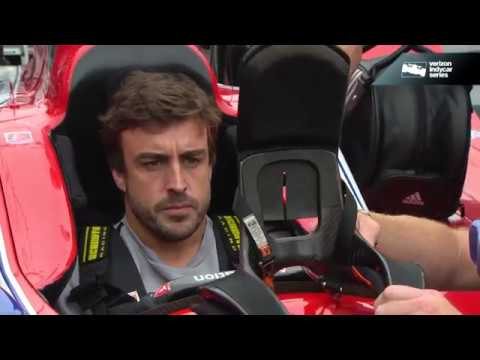 Alonso visits the IndyCar paddock