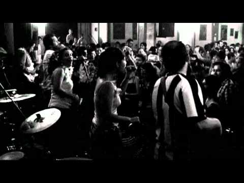 Cochayuyo - Magia b/n [etnomedia]