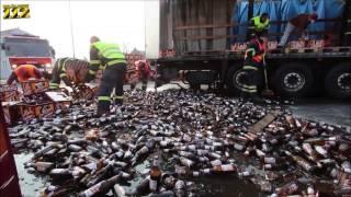 Пивная авария(В городе Теплице из фуры на проезжую часть выпало несколько тысяч бутылок пива Gambrinus, одна бутылка которого..., 2013-03-31T21:33:49.000Z)