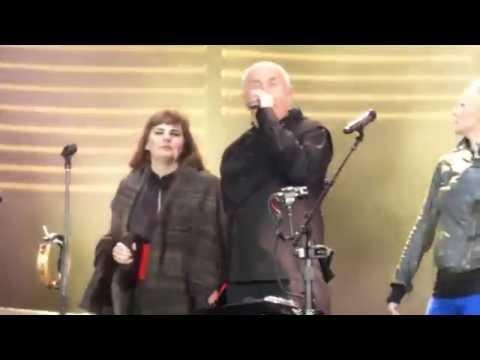 Peter Gabriel - If You Love Somebody Set Them Free (Live at Festival d'été de Québec)