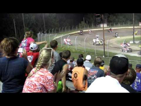 Sprint cars and skid plate race Eagle raceway Eagle, Ne.