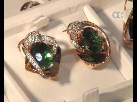 Тысячи драгоценных изделий со всего мира привезли на Ювелирный салон Сибири