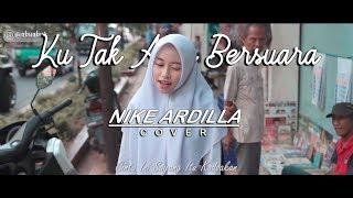 Gambar cover Nike Ardilla - Ku Tak Akan Bersuara Cover Putih Abu-abu