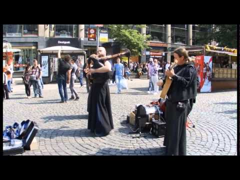 show on street prague E by media@young.tv2557