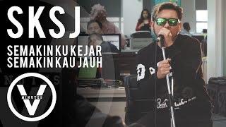Download lagu Five Minutes - SKSJ (Semakin Ku Kejar Semakin Kau Jauh) Live di markas Detikcom
