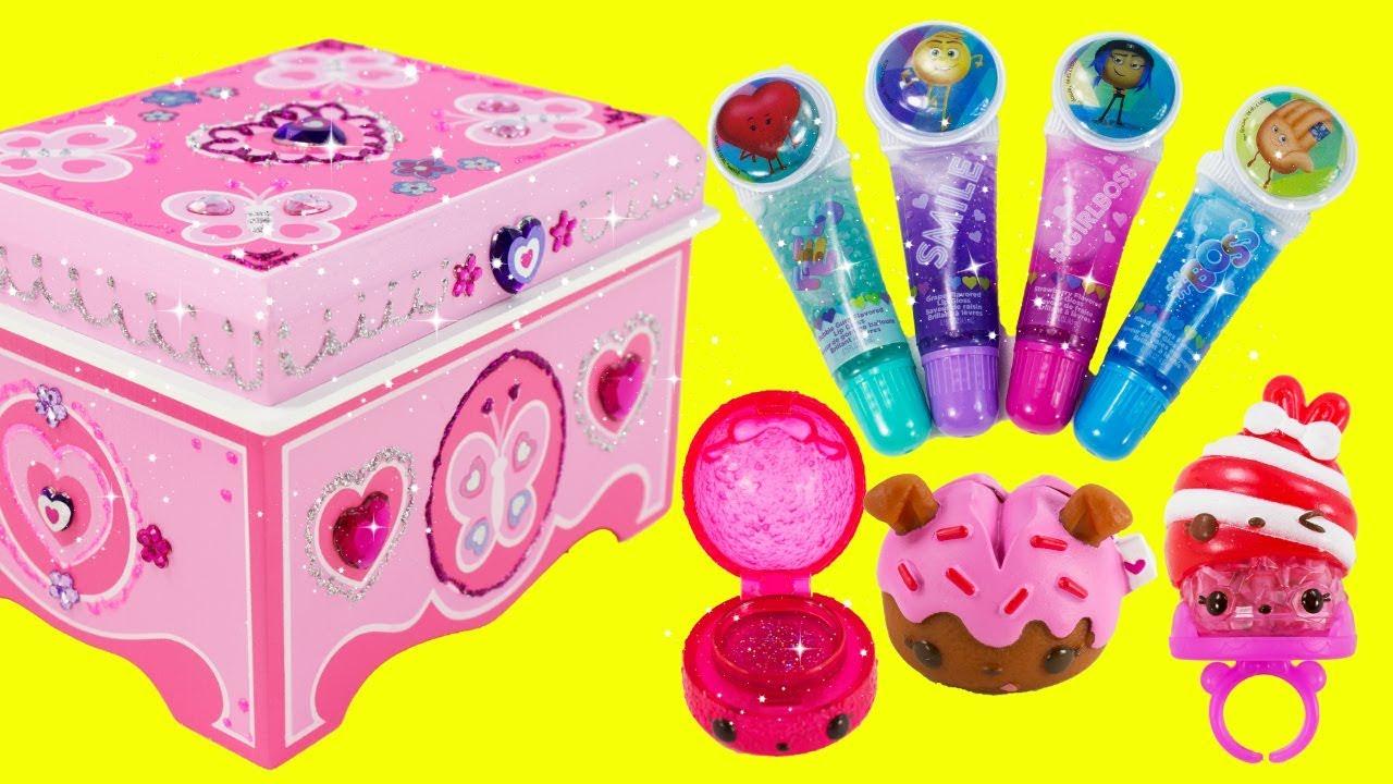 DIY Jewelry Box by Melissa and Doug EMOJI MOVIE Lip Balms Num Noms