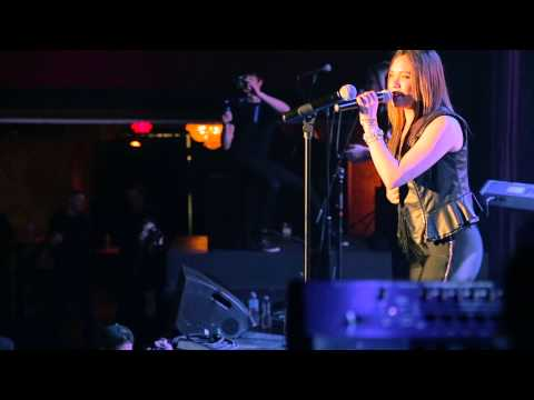 Naked Heart - Melanie Lynx with The Full Circle Band