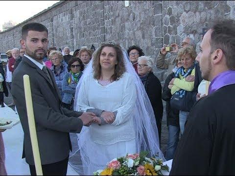 Matrimonio In Inghilterra : Anno ad ischia il matrimonio del secolo un isolano sposa