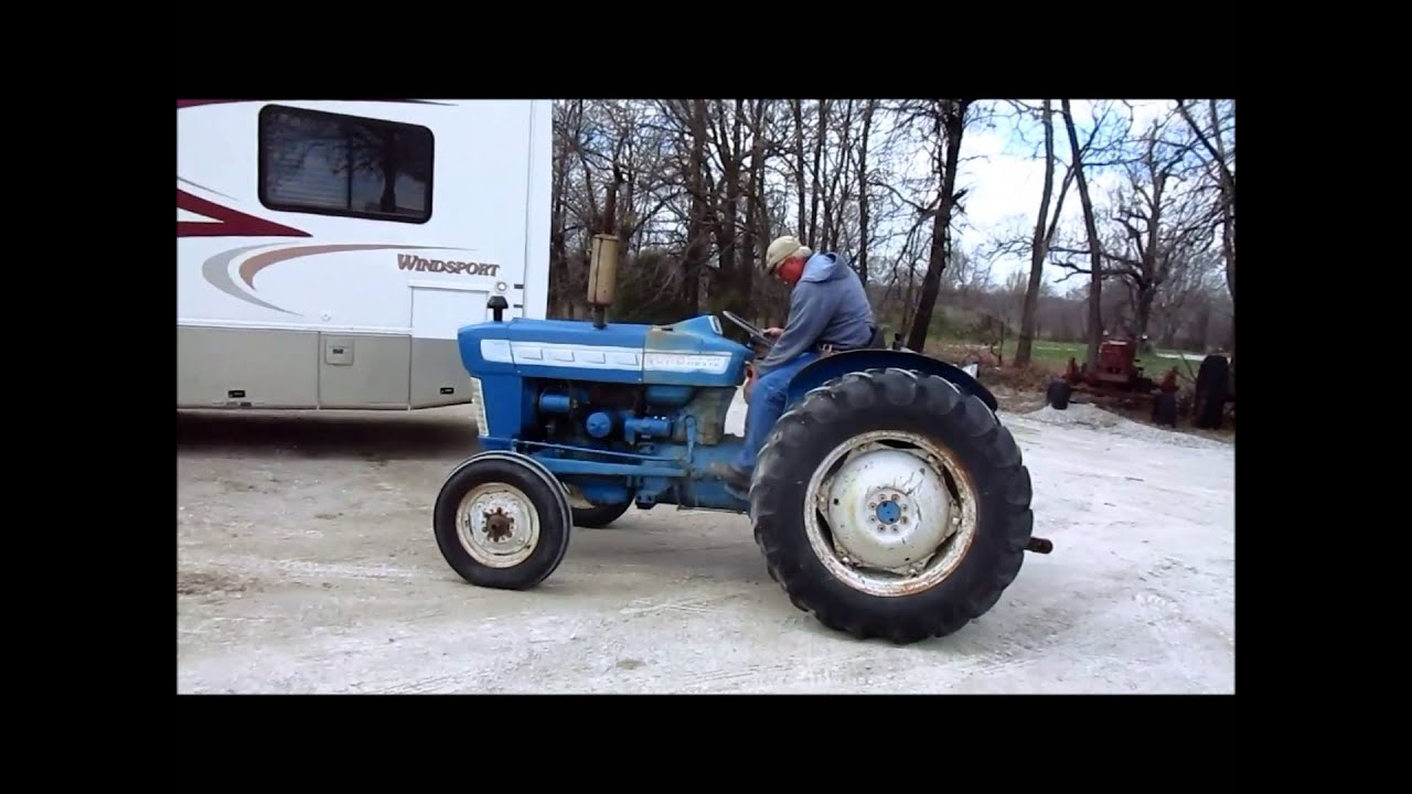 ford 2000 tractor for sale sold at auction april 15. Black Bedroom Furniture Sets. Home Design Ideas
