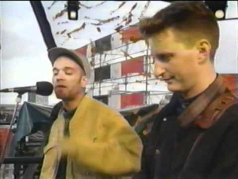 Natalie Merchant, Michael Stipe & Billy Bragg  Hello In There
