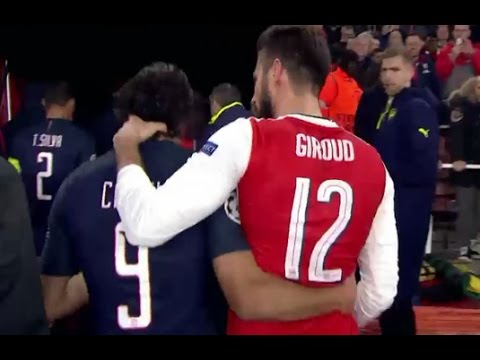 Edinson Cavani got a rough neck massage from Olivier Giroud 23/11/2016