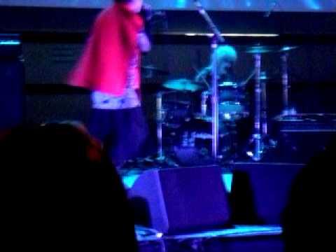 Közi Live @ Mangaparty Paris 10.04.11 - Honey Vanity(Retromantics club mix) Part 1