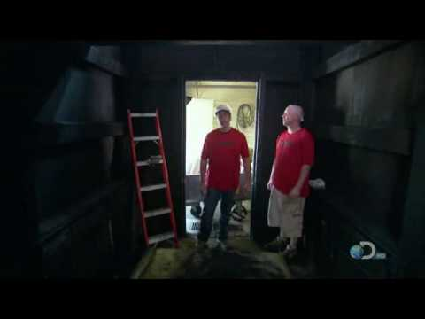 Mike Rowe Dirty Jobs Bologna Factory