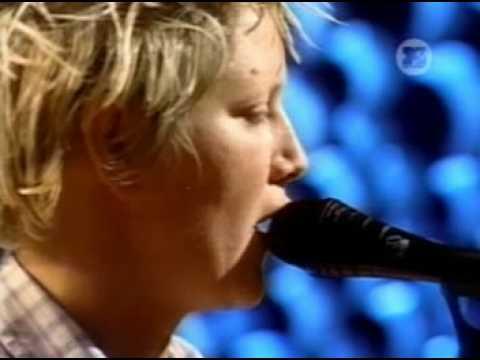 Bambix - Julie (Live MTV Brazil)
