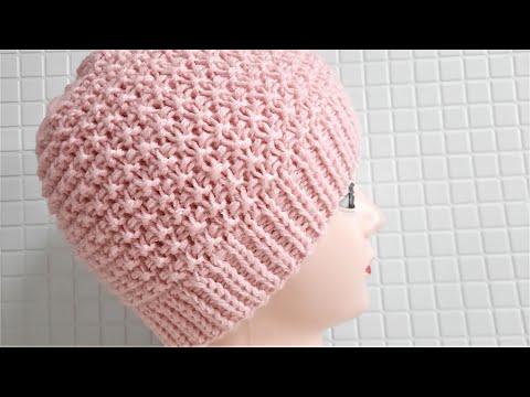 Вязаная женская шапка спицами для начинающих