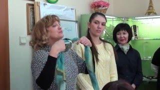 красивые способы завязывания платков и шарфов на шее как завязывать платки(Красивые способы завязывания платков и шарфов на шее делает Надежда Чеснокова на семинаре