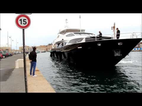 Sunseeker yacht docking port St Tropez