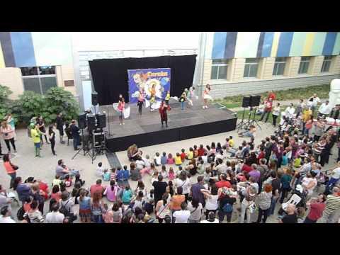 Reportatge de l'Eureka amb el seu nou musical, de visita al Parc Científic de Lleida