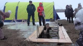 Наталья Гончарова, впервые принимавшая участие в Крещенских купаниях/ www.krasnoturinsk.info