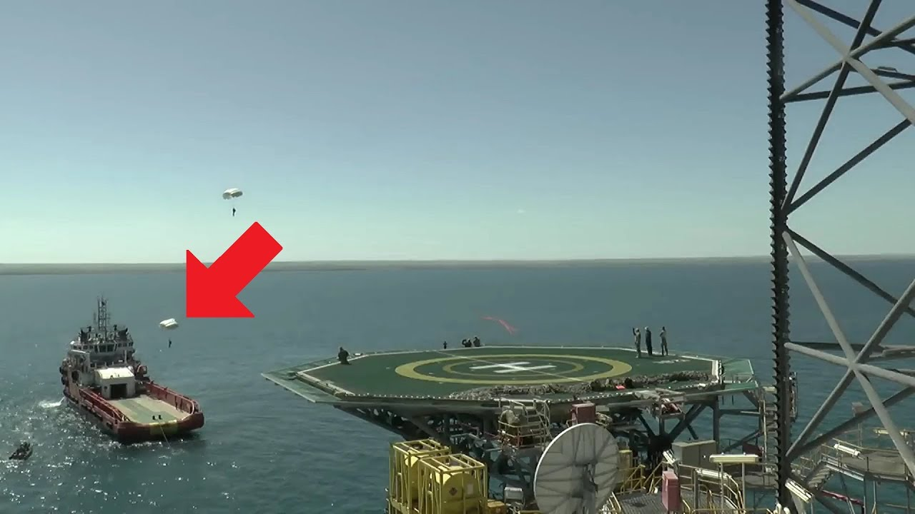 Amazing! Russian Special Forces HALO Parachute Landings On Ship Deck