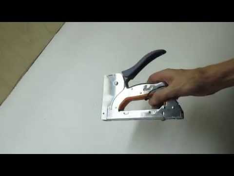 видеообзор Степлера ручного DEXTER Тип 140 (6-14 мм), гвозди 8, 9