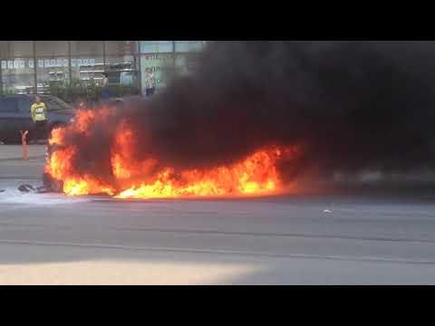 Санкт- Петербург, сгорела машина
