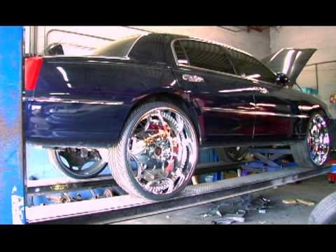 Ntc T V 2001 Town Car On 28s Youtube