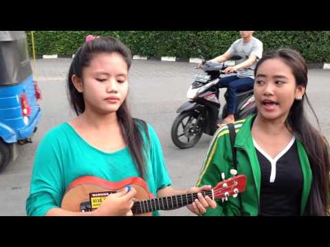 Yanti dan fitri nyanyi lagu ijab kabul-kangen band
