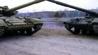 Погрузка танка который неисправен требует мастерства.Первая танковая рота НАЦИОНАЛЬНОЙ ГВАРДИИ. .