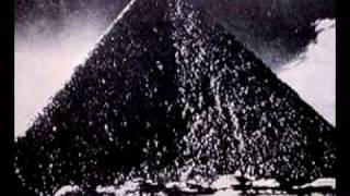 La Piramide (IV)