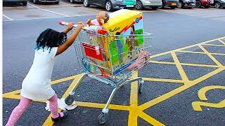 Funny Little Baby Doing Shopping In Big Store | Kids Pretend play With toys