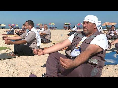 شاهد: مسعفون فلسطينيون يحتفلون باليوم العالمي لليوغا على شاطئ غزة…  - نشر قبل 2 ساعة