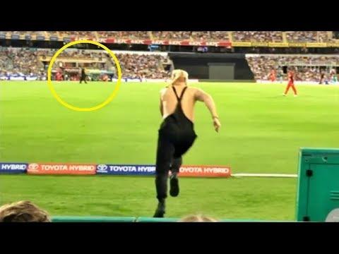 Scene Più DIVERTENTI Del Calcio 2019 - Funny Moments, Gol, Autogol, Fails