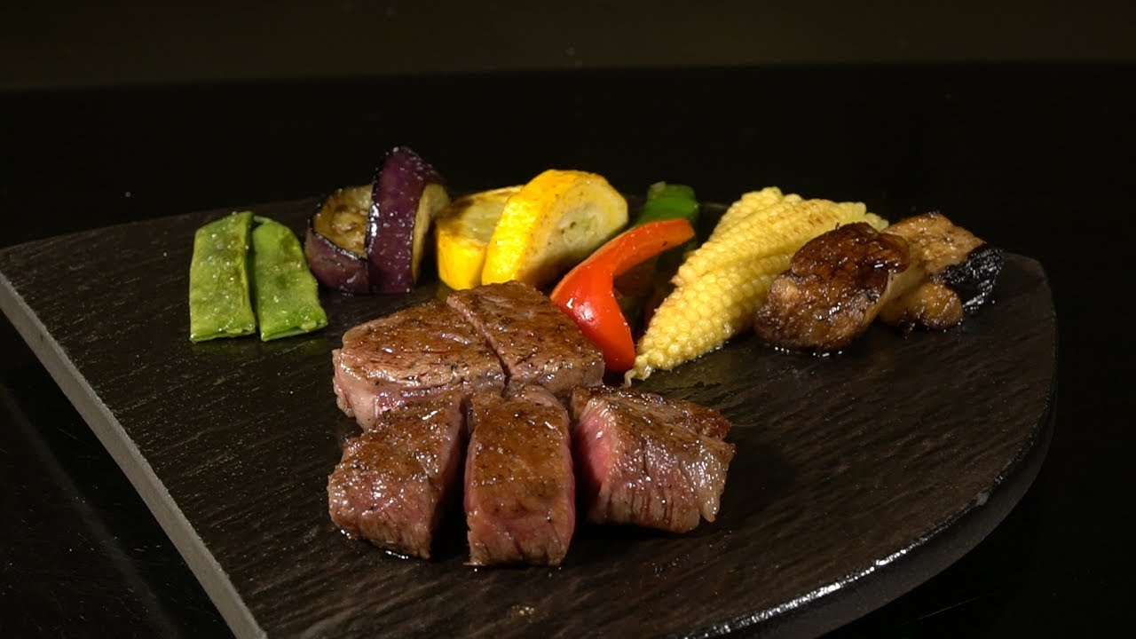 A stylish, relaxing teppanyaki restaurant for special days