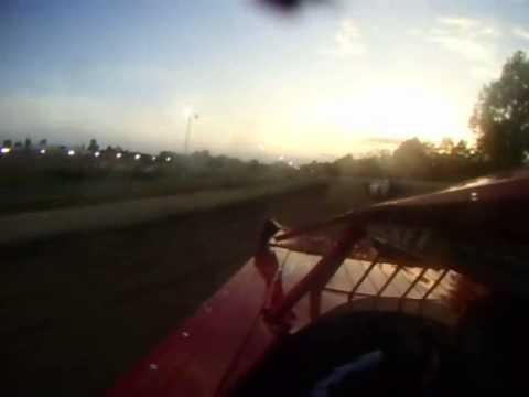 Heat race at Hartford Motor Speedway 2012