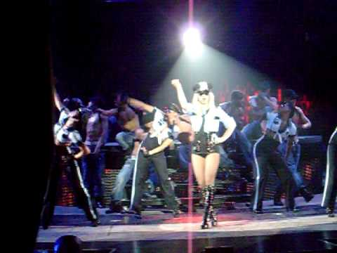 5/2 Britney Spears Concert Crazy Fan Jumps on Stage (Mohegan Sun)