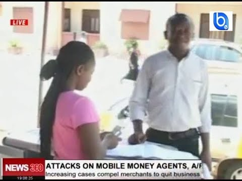 watch !! armed robbers attack mobile money vendors at gun point in Kumasi
