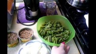 Салат с тунцом и зелёной фасолью.