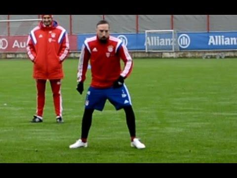 Funny Franck Ribery talking shit during 'magic circle' | Ribery macht Blödsinn | FC Bayern Munich