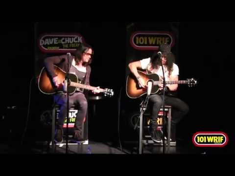 """Slash ft. Myles Kennedy """"Fall to Pieces"""""""