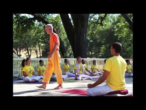 Sivananda Satsang Grass Valley Ashram - 07 Hey Radhe