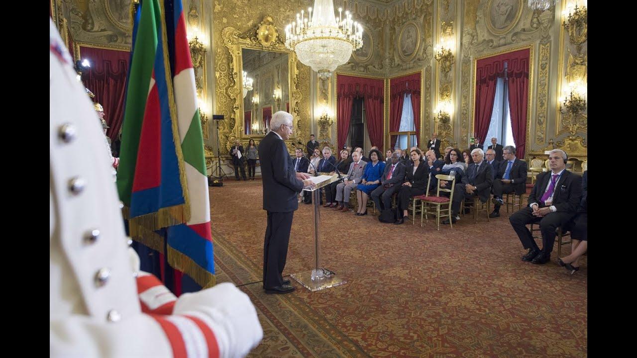 Quirinale il presidente mattarella incontra delegazioni for Parlamento della repubblica italiana