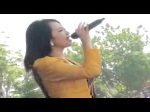 KANGGO RIKO by MONATA vocal RENA KDI live in KRAGAN JATENG