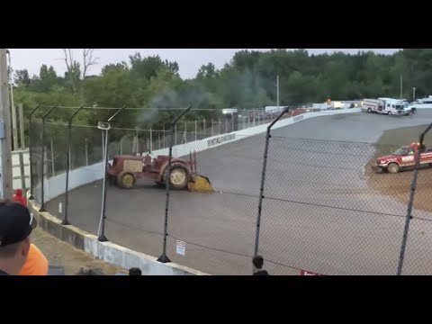 Runaway tractor at Tri-city Speedway in Auburn, MI