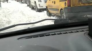 Смотреть видео Как чистят снег в Москве. онлайн
