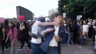 Juan Manuel Jiménez de ADN 40 es agredido en marcha feminista CDMX